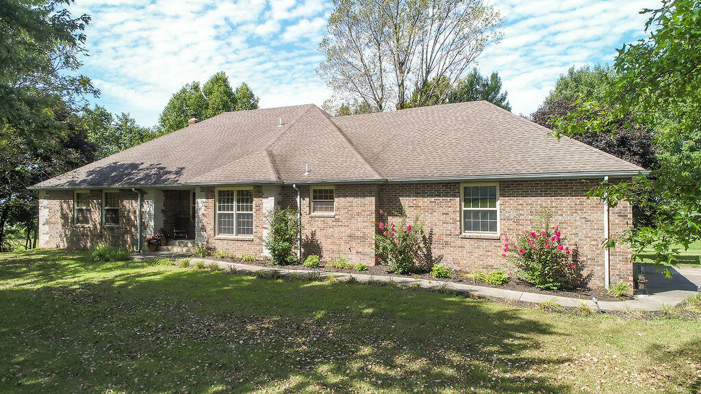 4816 East Hillview Lane Springfield, MO 65802