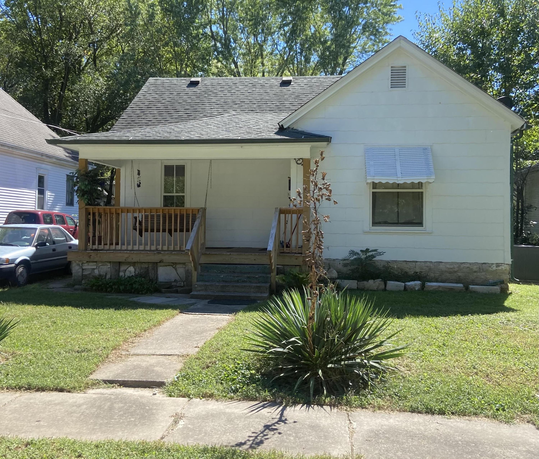 822 West Monroe Terrace, Springfield, Missouri 65806