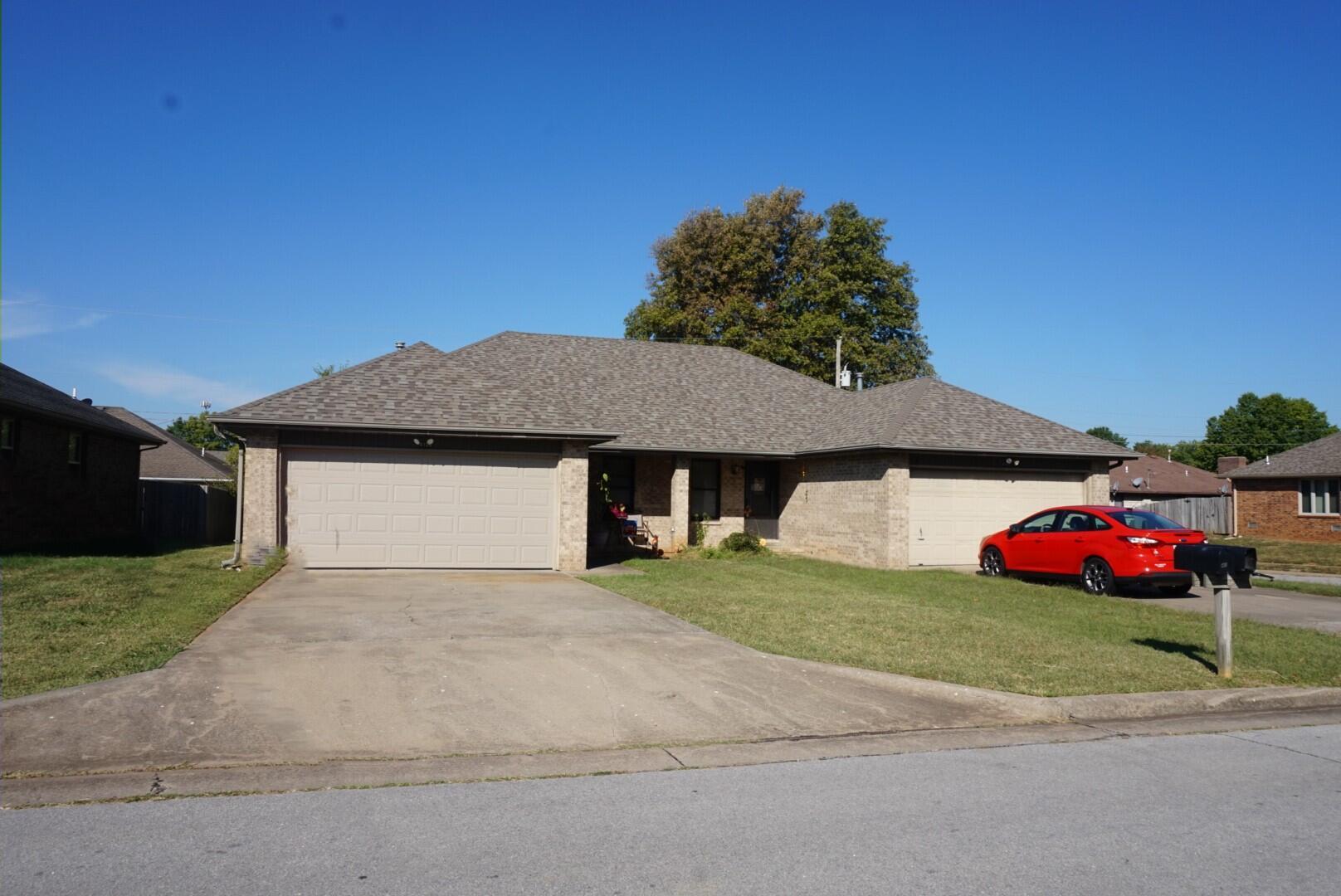 4107-4109 South Miranda Court Springfield, MO 65807