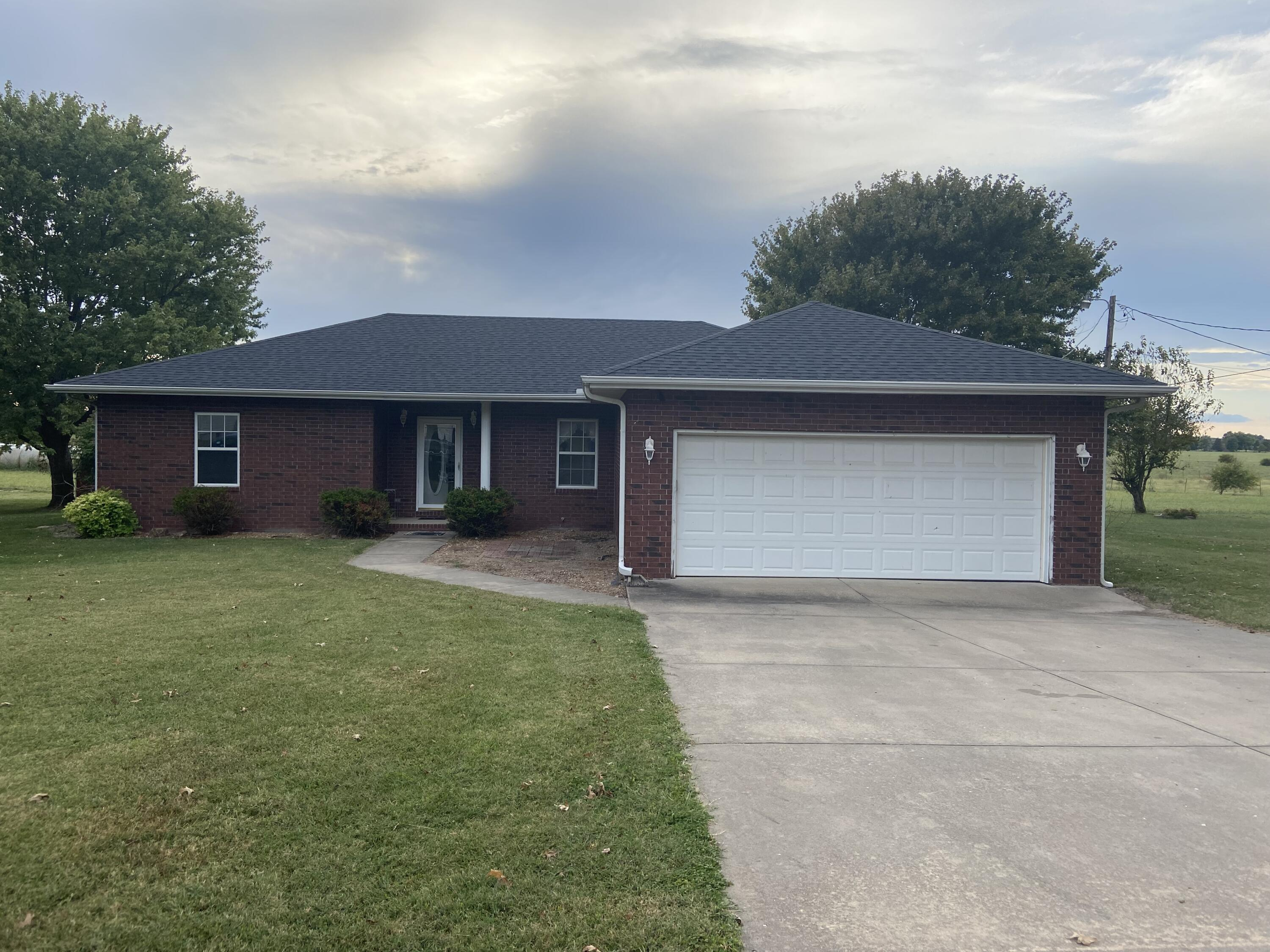99 North Western Street Marionville, MO 65705