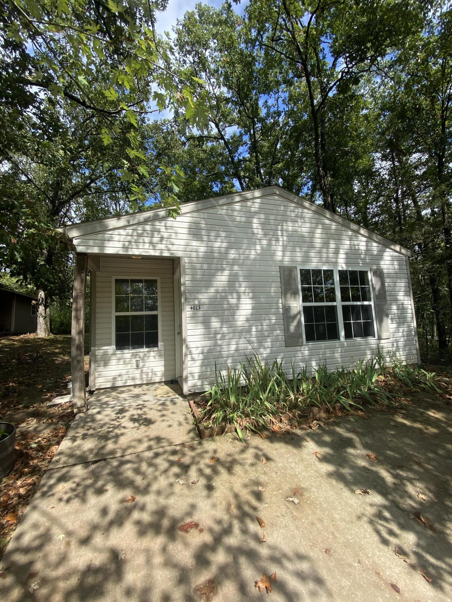 4025 Pin Oak Road Merriam Woods, MO 65740