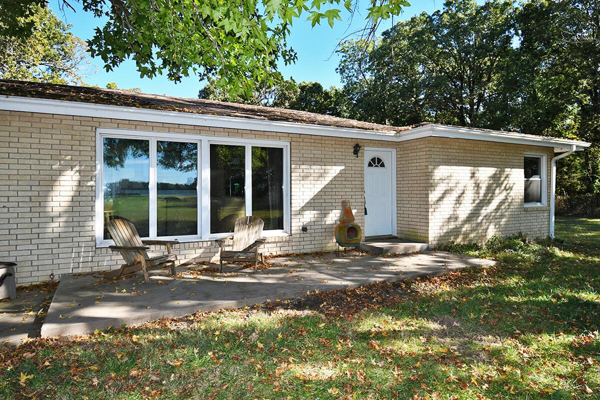 8241 East Farm Rd Strafford, MO 65757