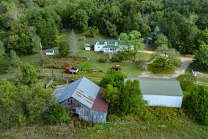 197 acres (m/l) Creek Frontage, Farm, & Hunting Property