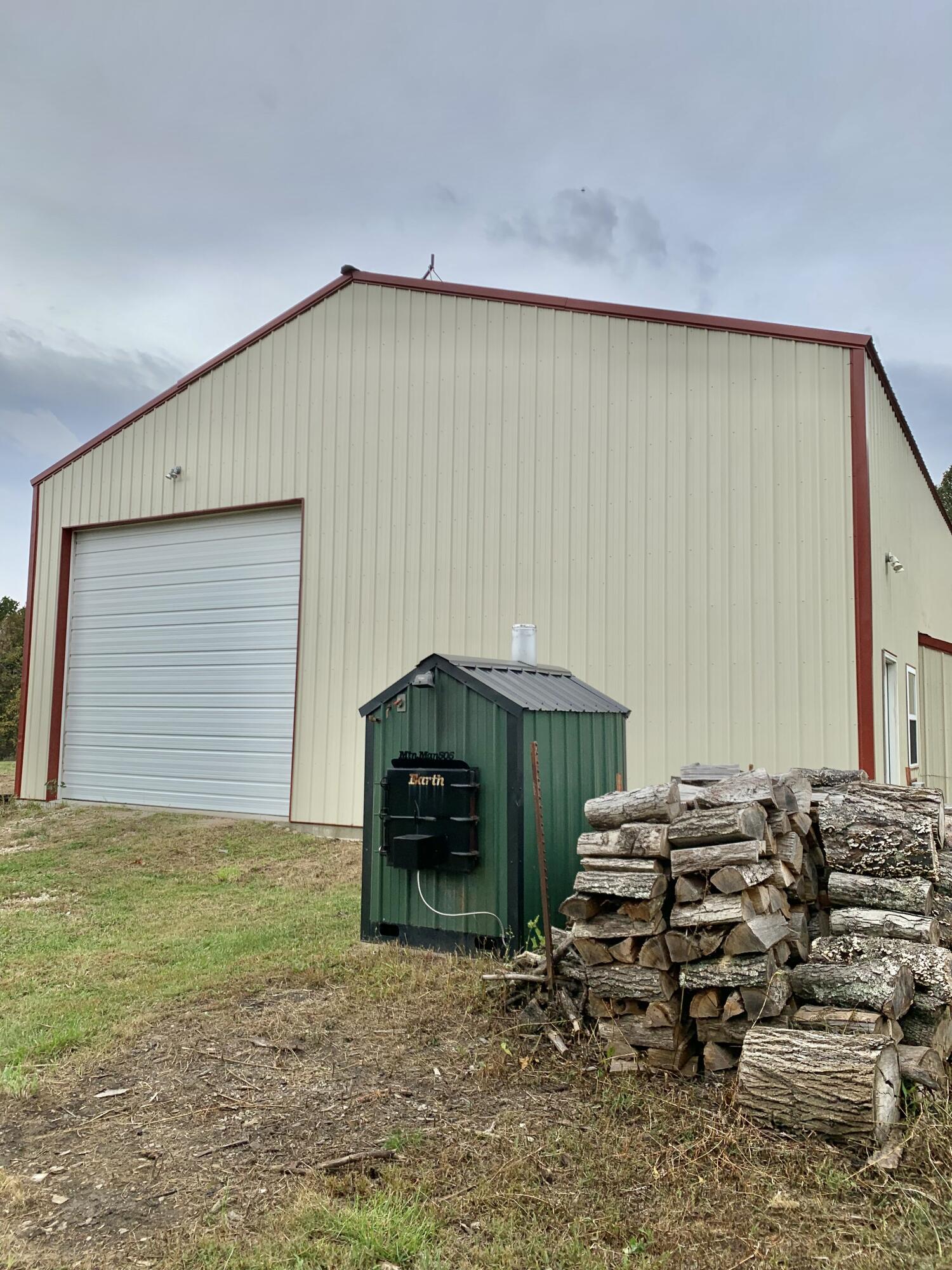 2250 Stony Point Drive Mountain Grove, MO 65711