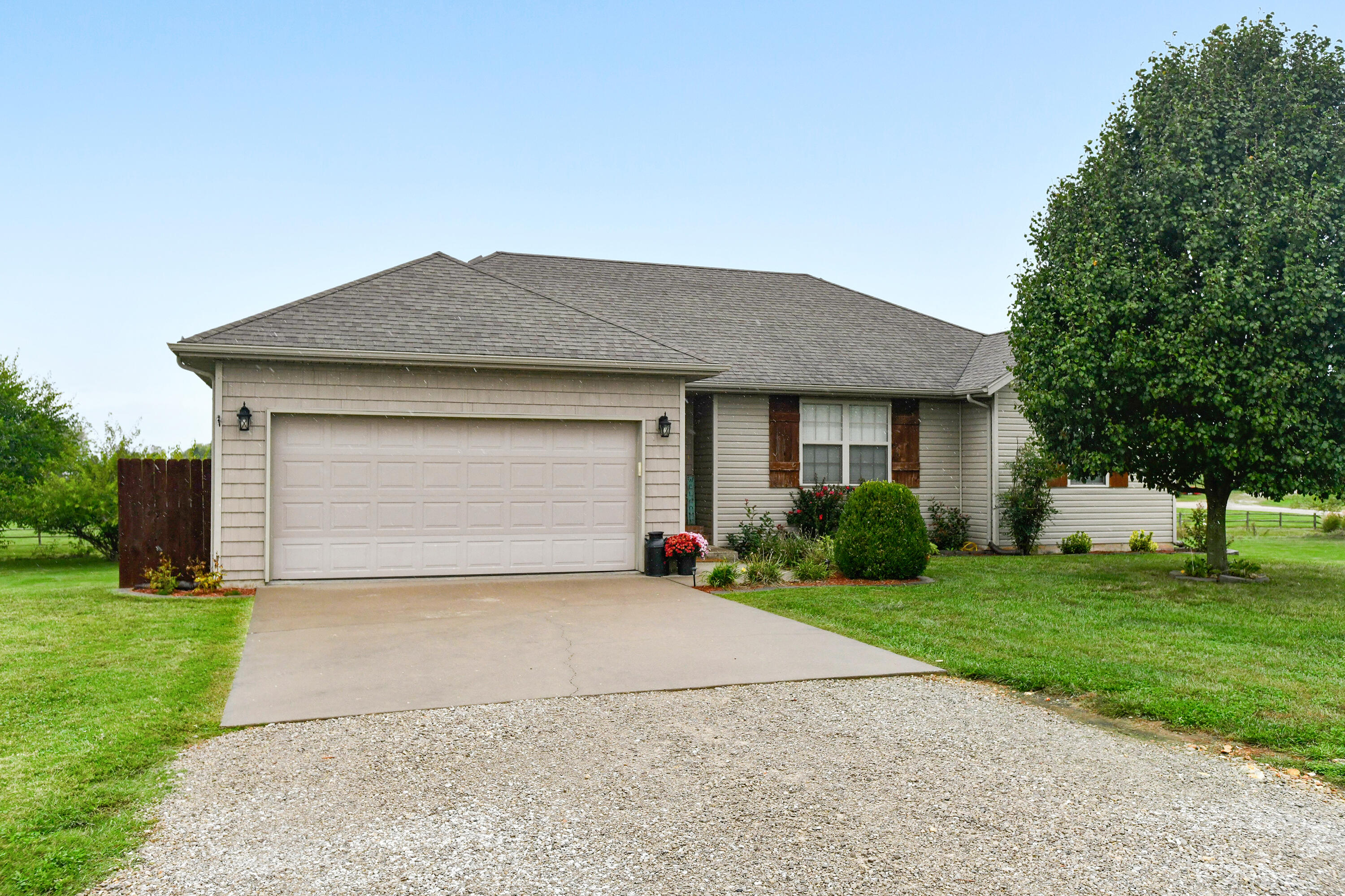 16268 Lawrence Marionville, MO 65705