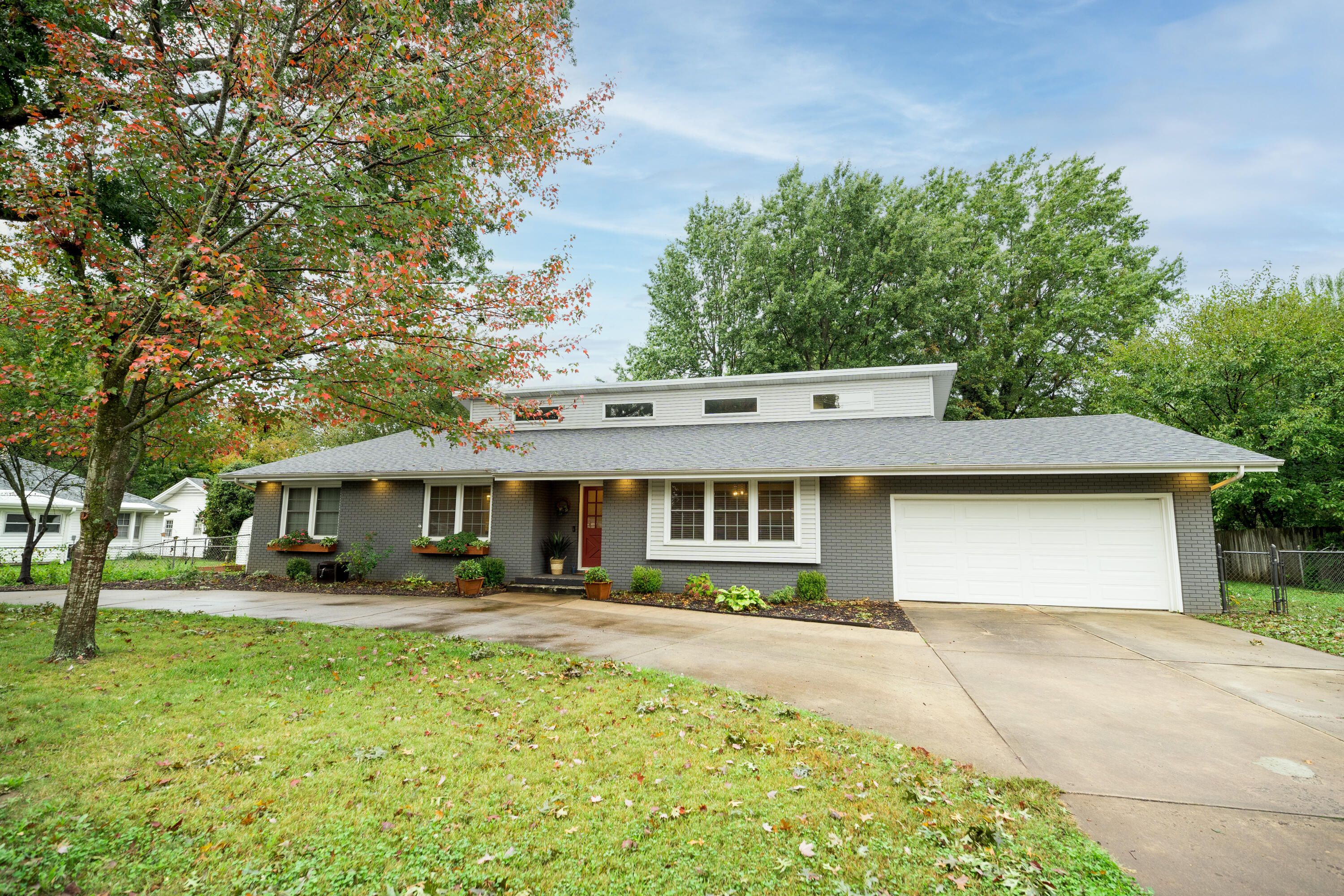 3115 South Luster Avenue Springfield, MO 65804
