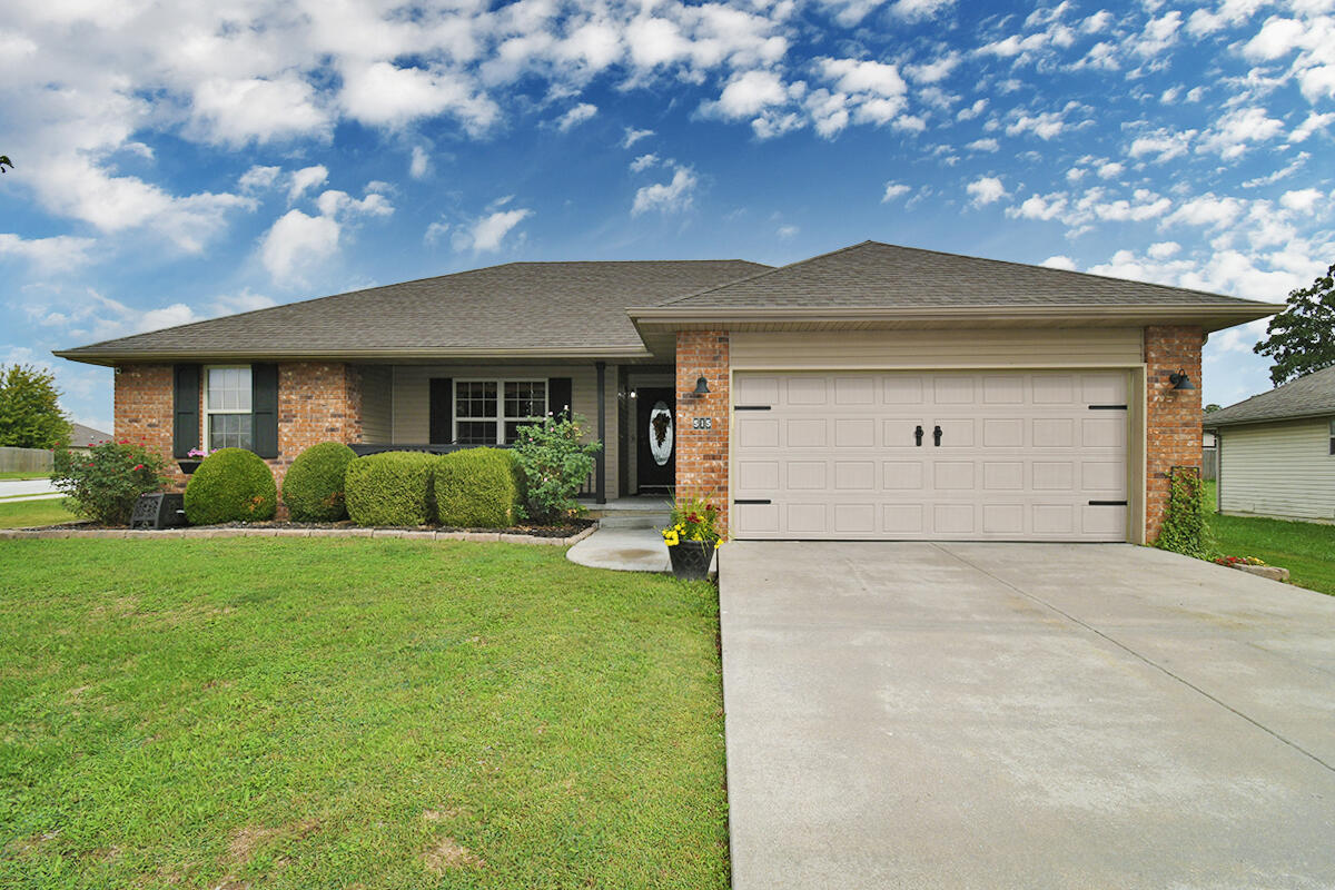 515 Rice Street Clever, MO 65631