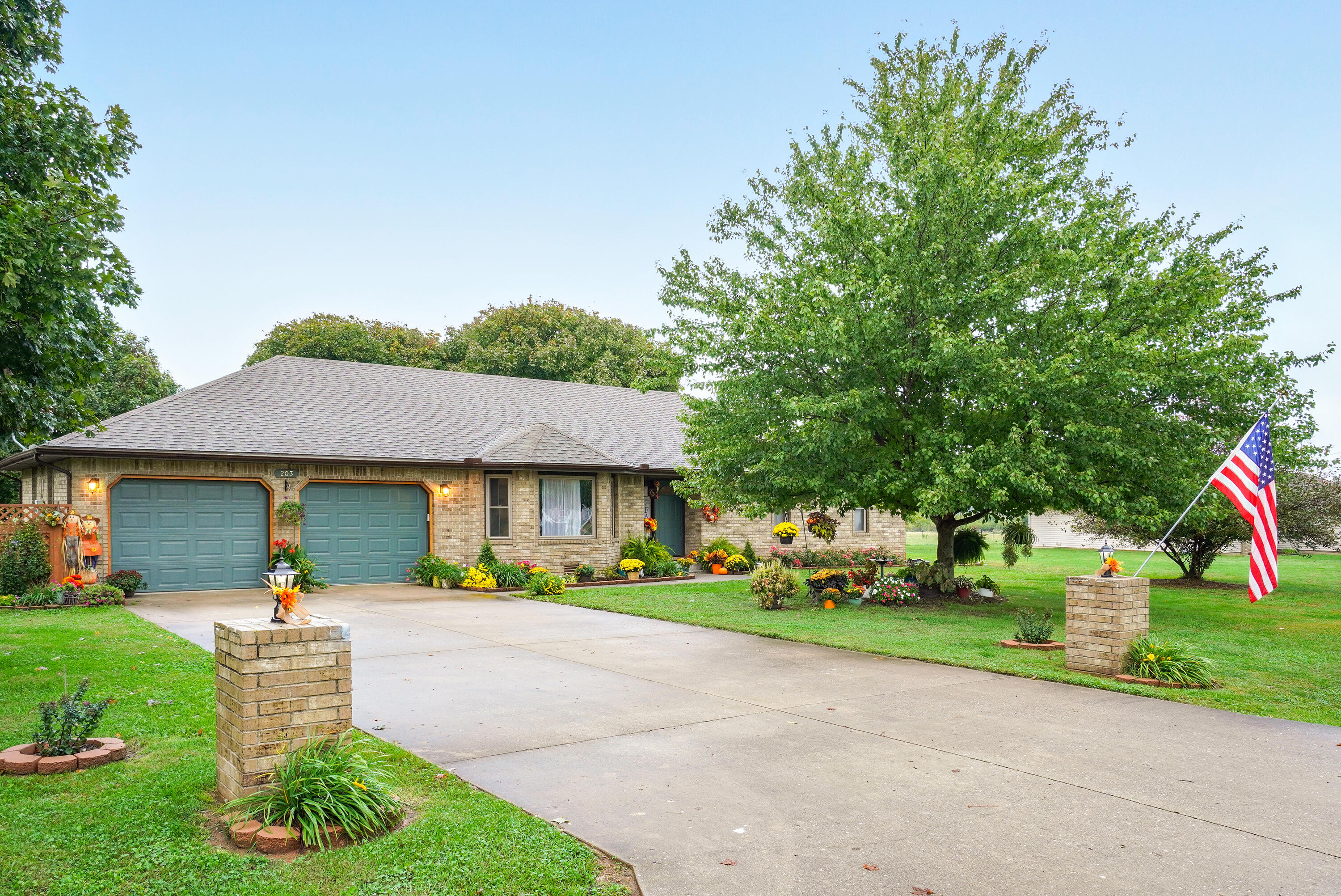 203 North Western Street Marionville, MO 65705