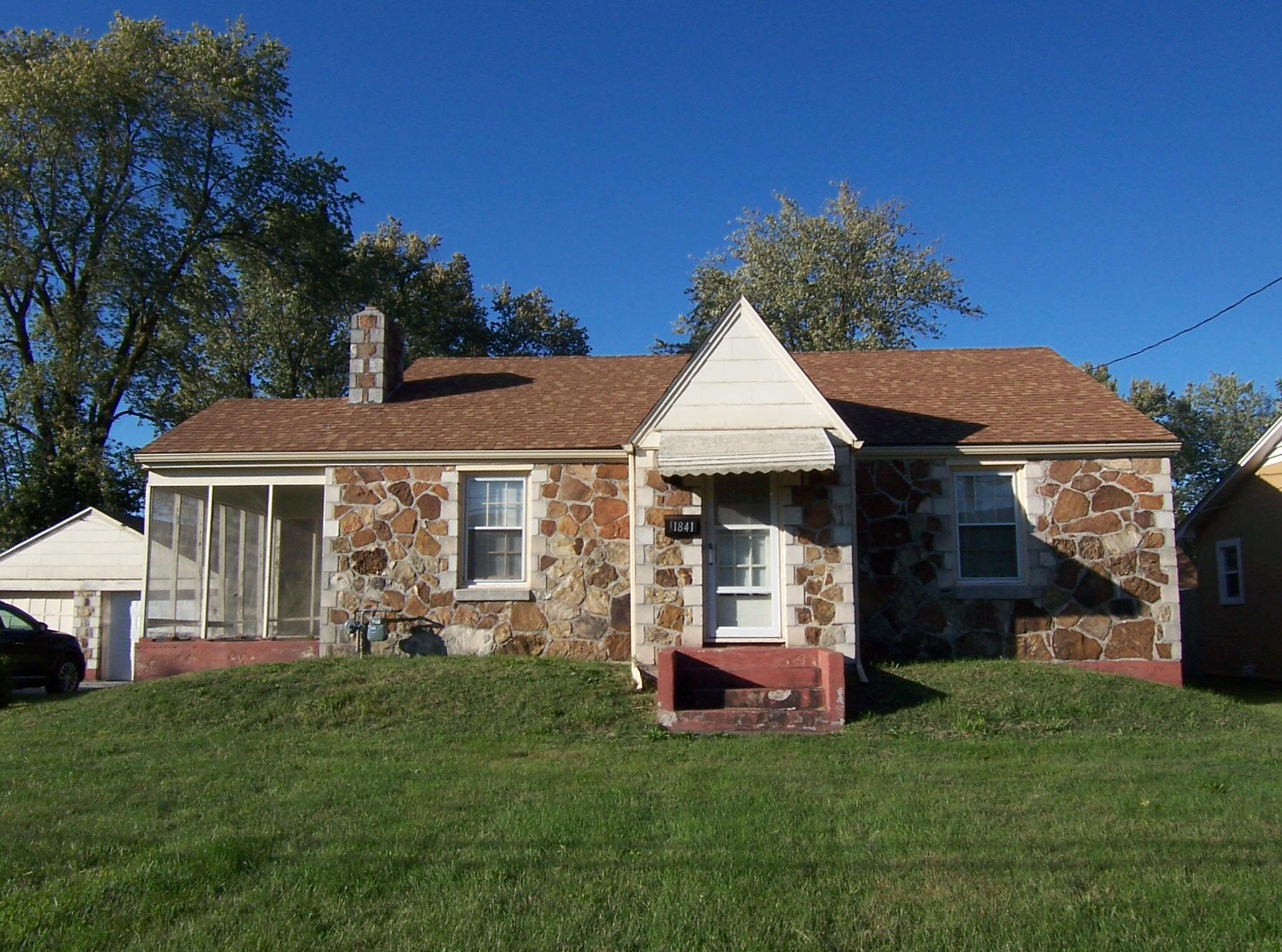 1841 East Dale Street Springfield, MO 65803