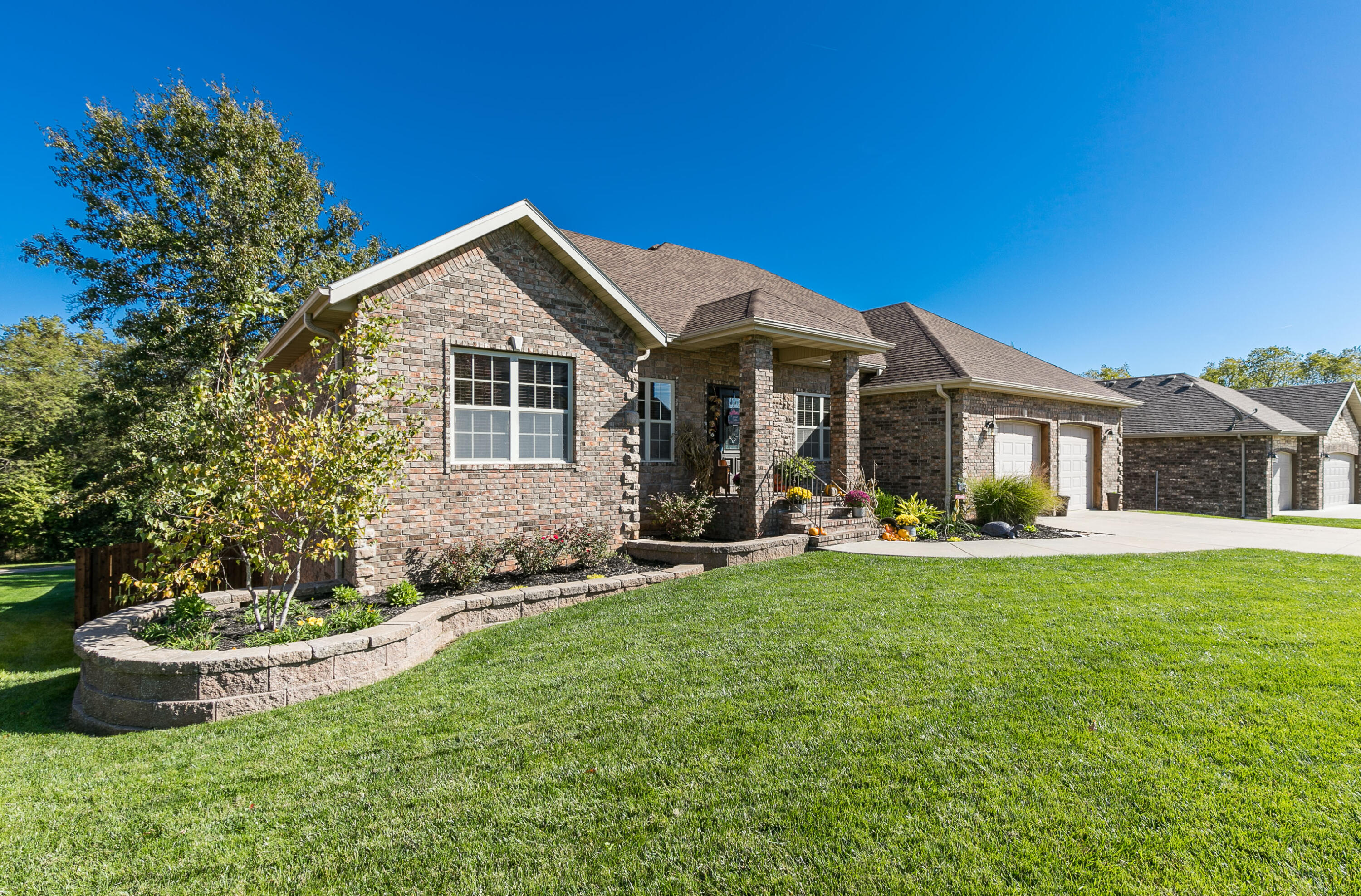 4649 West Silo Hills Drive Springfield, MO 65802