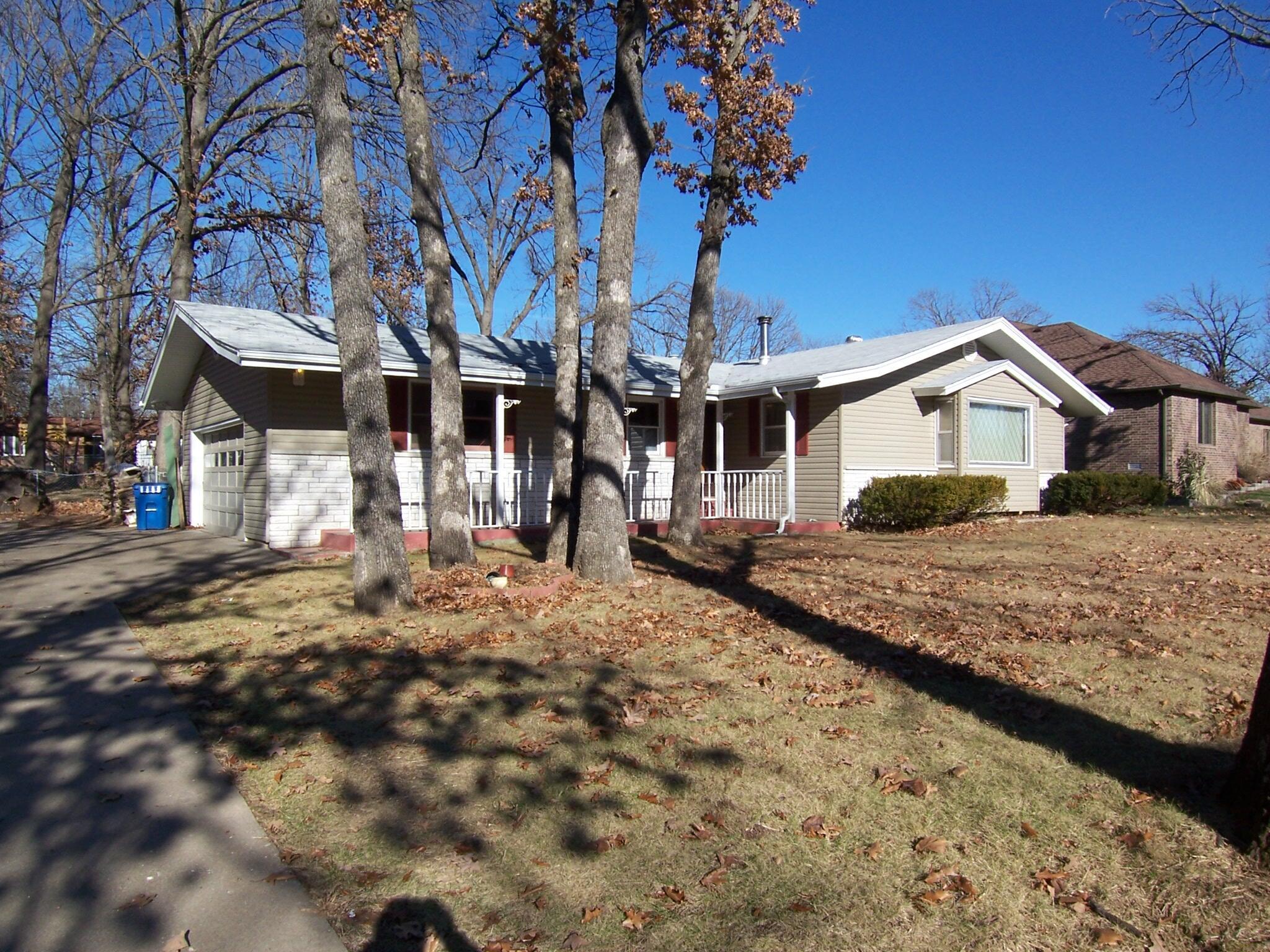 1035 West Arlington Drive Springfield, MO 65803