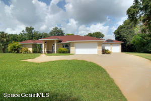 Direct Riverfront home on 1/2 acre