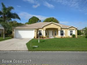 82 Holiday Park Boulevard NE, Palm Bay, FL 32907