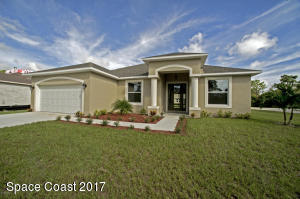 431 Harwood Street NE, Palm Bay, FL 32907