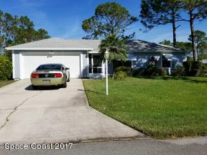 601 Cuxhaven Street NW, Palm Bay, FL 32907