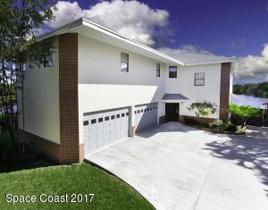 1641 Country Cove Circle, Malabar, FL 32950
