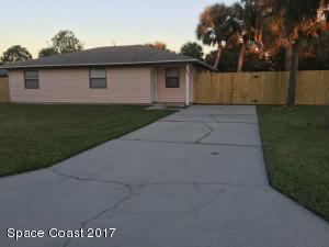 2171 Pelham Street NE, Palm Bay, FL 32905