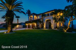 11 Willow Green Drive, Cocoa Beach, FL 32931