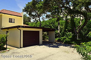 Desirable 1 story end-unit has car port too!