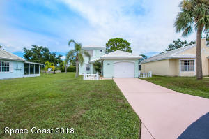 2094 NE Bluestem Circle NE, Palm Bay, FL 32905