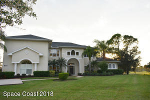 800 SE Yellow Wood Court SE, Palm Bay, FL 32909