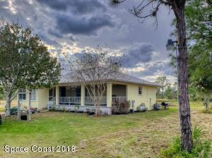 4890 Wagon Master Trail, Micco, FL 32976