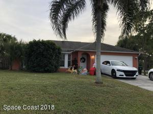 626 Antigua Street NE, Palm Bay, FL 32907