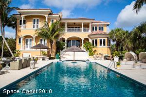 Fabulous oceanfront Pool Home