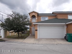 905 Twisting Branch Court, 905