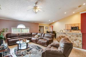 550 Poplar Street SE, Palm Bay, FL 32909