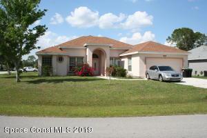 599 Australian Road NW, Palm Bay, FL 32907