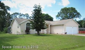 Move In Ready Home on 3 lots