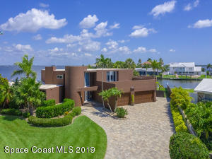 84 Country Club Road, Cocoa Beach, FL 32931