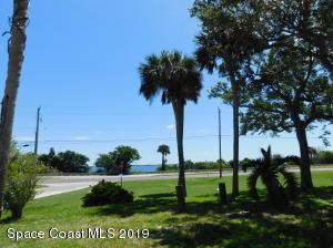 2984 Century Oaks Circle, Malabar, FL 32950