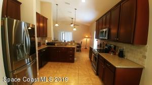 292 Wishing Well Circle SW, Palm Bay, FL 32908