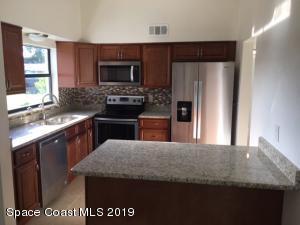 1050 Grove Avenue, Cocoa, FL 32922