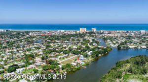 748 Nassau Road, Cocoa Beach, FL 32931