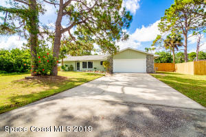 142 Tudor Road SW, Palm Bay, FL 32908