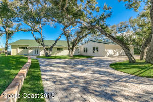 Beautiful Curb Appeal with Lots of Trees on Banana River