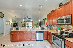 1040 Galleon Street, Cocoa, FL 32927