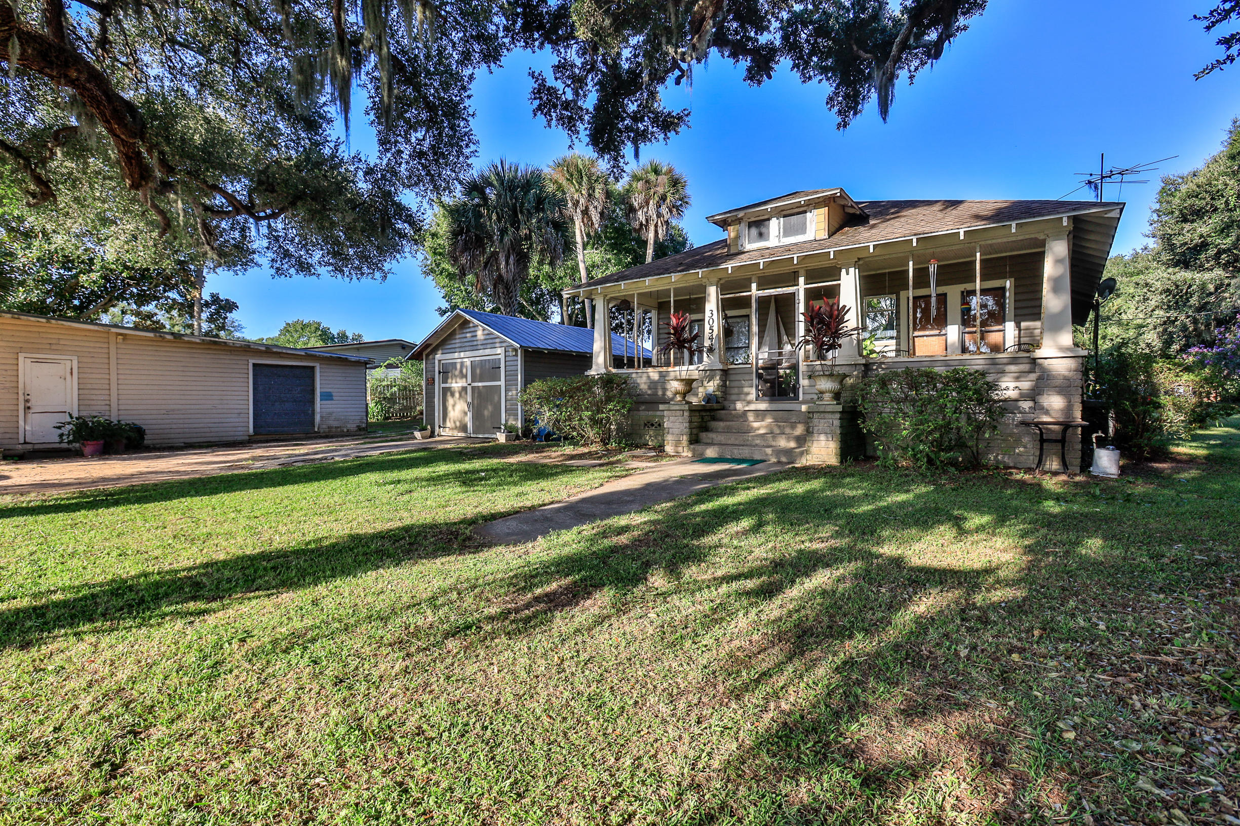 3054 Dixie N, New Smyrna Beach, FL 32168