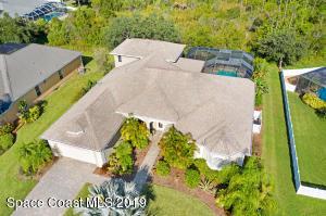 2070 Thornwood Drive SE, Palm Bay, FL 32909