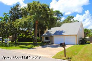 4 bedroom 2 bath home on a large lot!!!