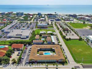 Fantastic beach pad with everything you need to start your beach lifestyle!