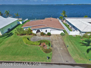19 Country Club Road, Cocoa Beach, FL 32931