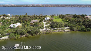 10180 S Tropical Trl, Merritt Island, FL 32952