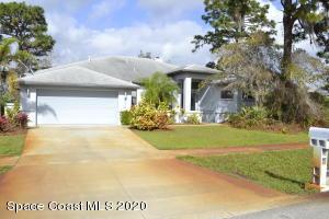 2944 Sereno Pointe Drive, Titusville, FL 32796