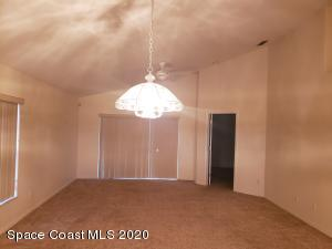 2361 White Sands Court NE, Palm Bay, FL 32905