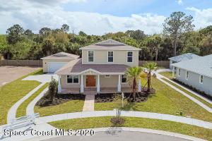 82 Lagoon Way, Titusville, FL 32780