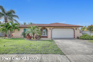 Gorgeous and updated 3 bedroom 2 bath pool home by the beach!